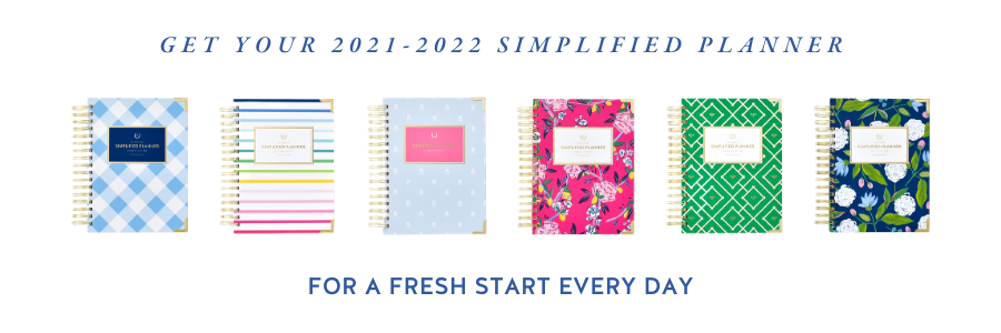 2021-2022 Daily Simplified Planners in Carolina Gingham, Thin Happy Stripe, Dainty Dogwoods, Fuchsia Chinoiserie, Kelly Green Bees, and Navy Hydrangeas